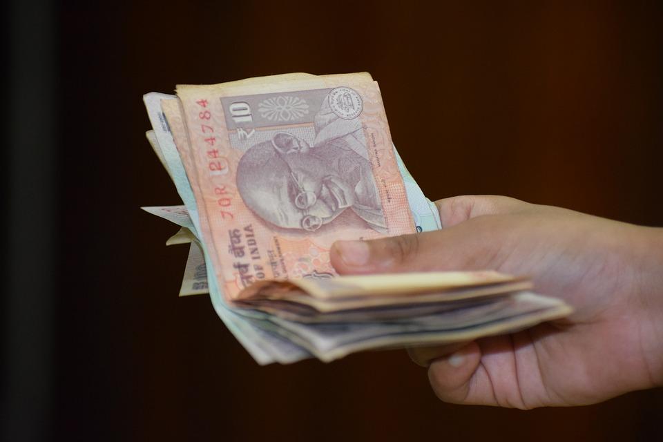 držení peněz